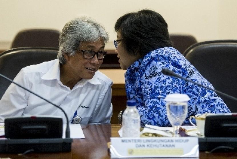 Direktur Utama Pertamina Dwi Soetjipto (kiri).