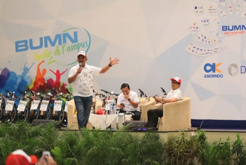 Direktur Utama PGN Jobi Triananda Hasjim turun langsung memberi kuliah kepada para mahasiswa di Universitas Airlangga, Surabaya.