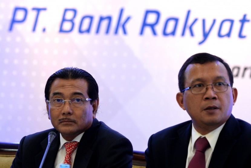 Direktur Utama PT Bank BRI Suprajarto (kiri)