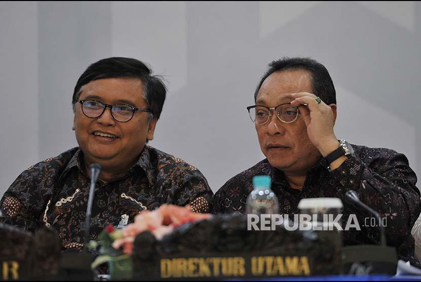 Direktur Utama PT Bank Tabungan Negara (Persero) Tbk. Maryono (kanan) saat Konferensi Pers Paparan Kinerja Bank BTN per 31 Maret 2018 di Menara BTN, Jakarta, Kamis (19/4).