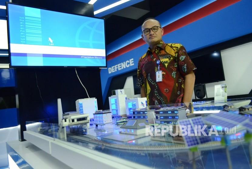 Direktur Utama PT Len Industri Zakky Gamal Yasin