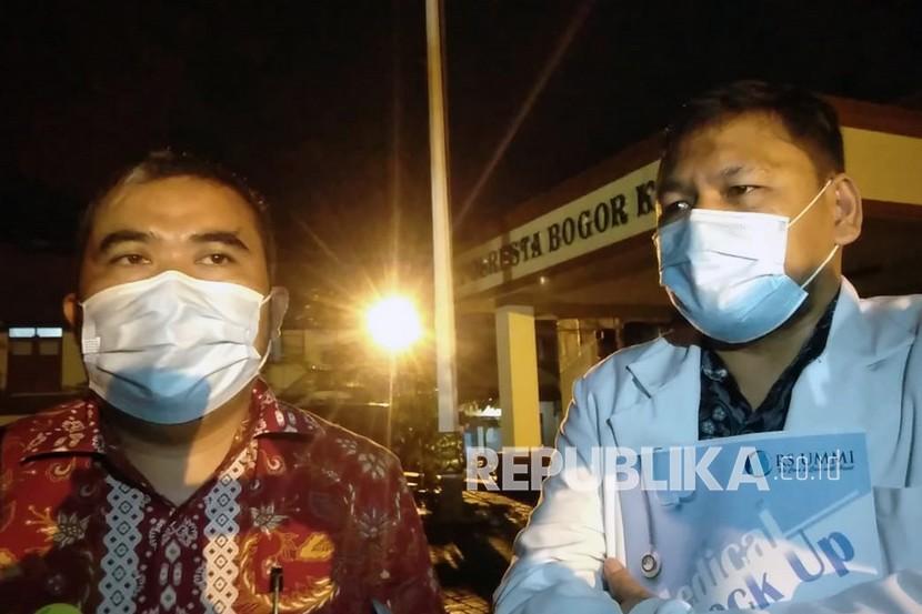 Direktur Utama RS UMMI Bogor Andi Tatat (kanan) bersama Direktur Umum Najamudin (kiri)