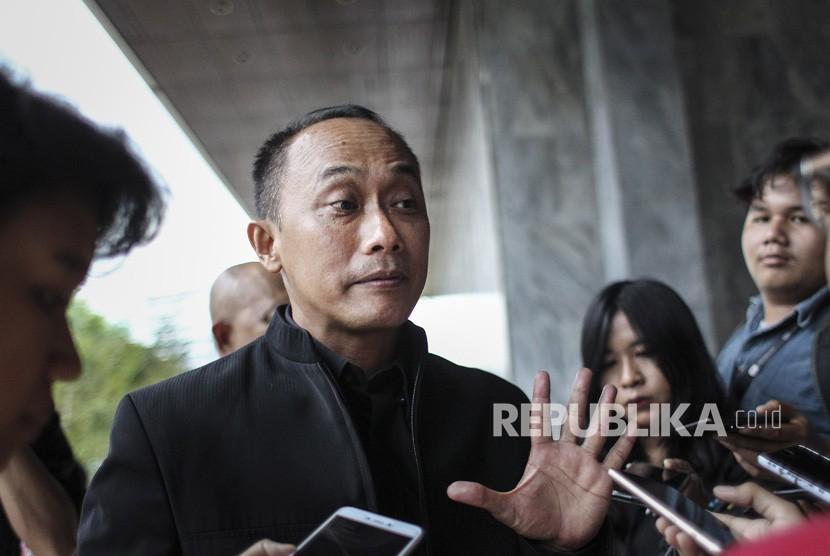 Dirjen Dukcapil Kemendagri Zudan Arif Fakrulloh menjawab pertanyaan wartawan mengenai temuan penjualan blangko KTP elektronik di Jakarta, Kamis (6/12/2018).