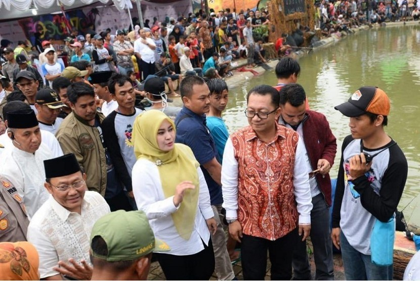 Dirjen Pembangunan dan Pemberdayaan Masyarakat Desa (PPMD) Kemendes PDTT, Taufik Madjid menghadiri acara Festival Embung Ramadhan di Embung Ranca Anis, Muruy, Pandeglang, Sabtu (26/5).