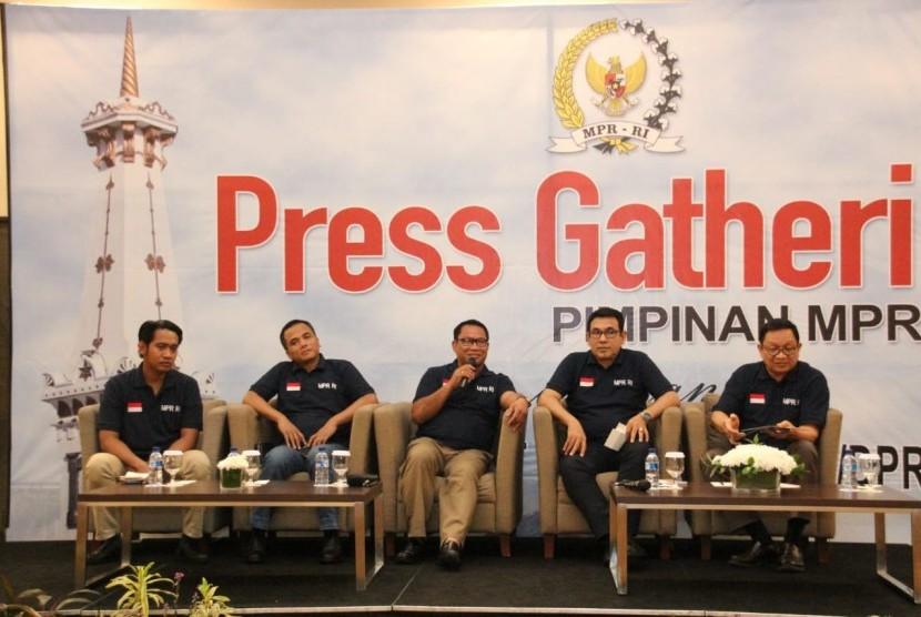 Diskusi bertema 'Konsolidasi Nasional Menjelang Pemilu Tahun 2019', Jumat (19/10).