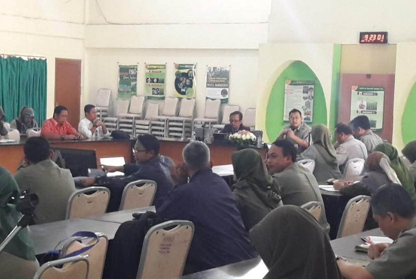 Diskusi tentang petani millenial