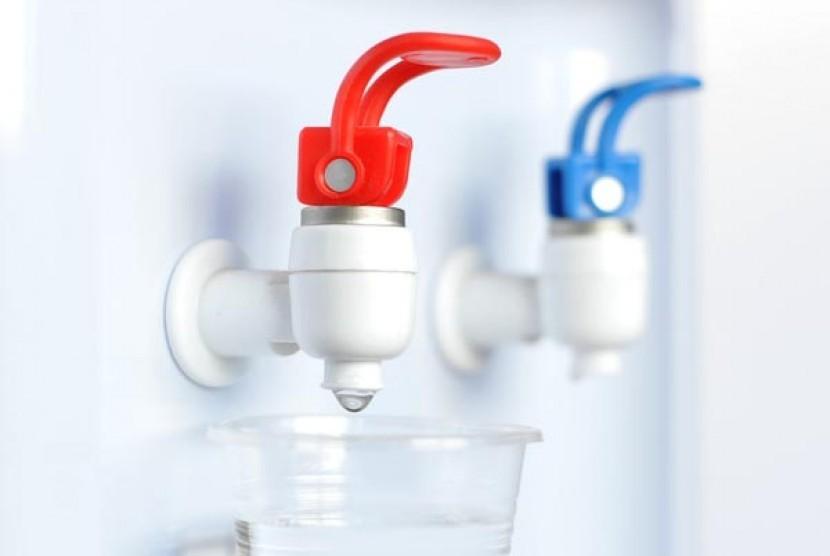 Dispenser air/ilustrasi