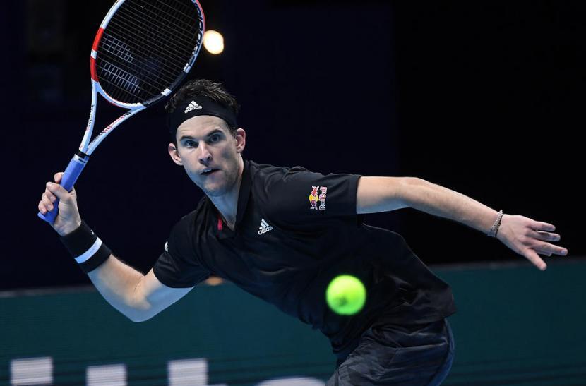 Dominic Thiem saat mengalahkan Rafael Nadal pada pertandingan grup ATP Finals 2020.