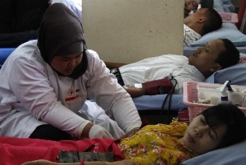 Donor darah.