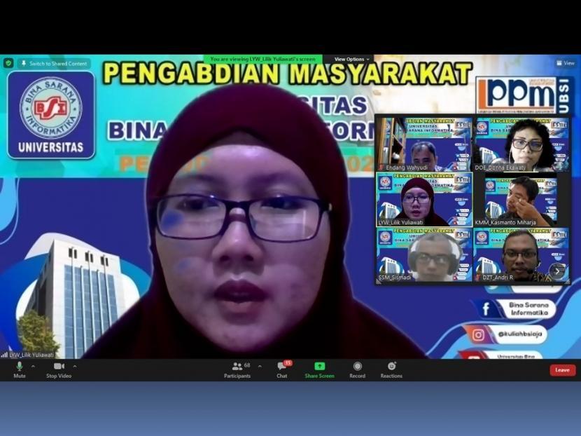 Dosen Program Studi (prodi) Administrasi Bisnis, Fakultas Ekonomi dan Bisnis (FEB) Universitas BSI (Bina Sarana Informatika) melakukan kegiatan pengabdian masyarakat pada Karang Taruna Ciomas, Bogor, secara daring pada, Sabtu (12/9).