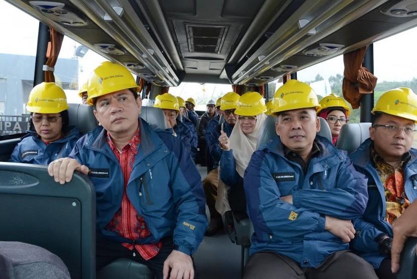 DPR mengunjungi PT Geo Dipa Energi unit Patuha di Desa Sugihmukti,Pasir Jambu,Kabupaten Bandung, Jawa Barat  Jumat, (31/3)