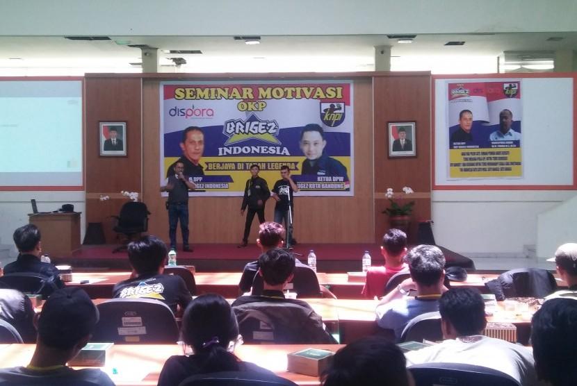 DPW Brigez Indonesia Kota Bandung menggelar seminar entrepreneur bagi anggotanya di gedung Jabar Sport, Arcamanik, Kota Bandung, Ahad (18/2).