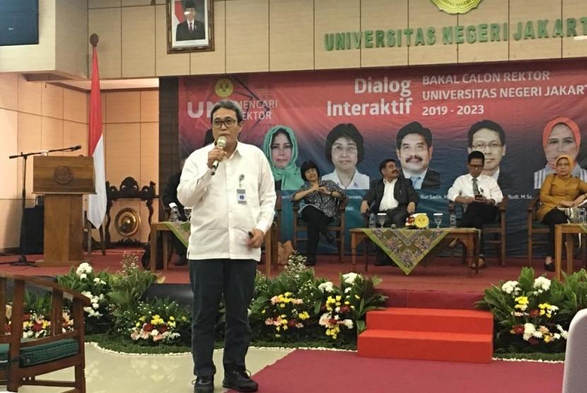 Dr Awaluddin Tjalla, SPsi, MPd menyampaikan sosialisasi Visi, Misi, dan Program Kerja sebagai bakal calon rektor UNJ priode 2019-2023.