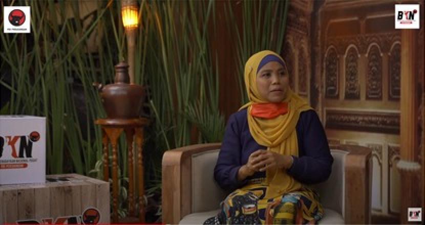 "Dr. Nur Rofiah yang merupakan dosen Pasca Sarjana di Institut PTIQ Jakarta, dalam program ngabuburit yang bertajuk ""Inspirasi Walisongo; Iman, Ilmu dan Amal"""