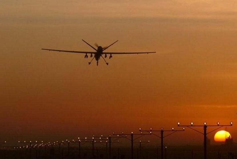 Dubai menemukan cara baru menurunkan hujan dengan drone penembak laser.