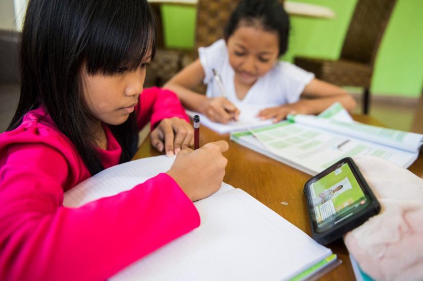 Murid Belajar Di Rumah Stres Orang Tua Dan Kendala Lainnya Republika Online