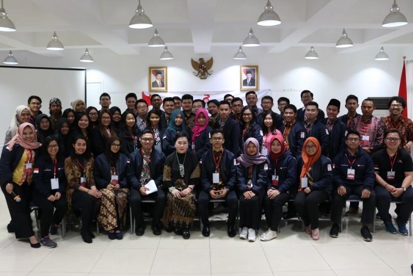 Dubes RI untuk Cina Djauhari Oratmangun bersama mahasiswa Indonesia yang tergabung dalam PPI Tiongkok.