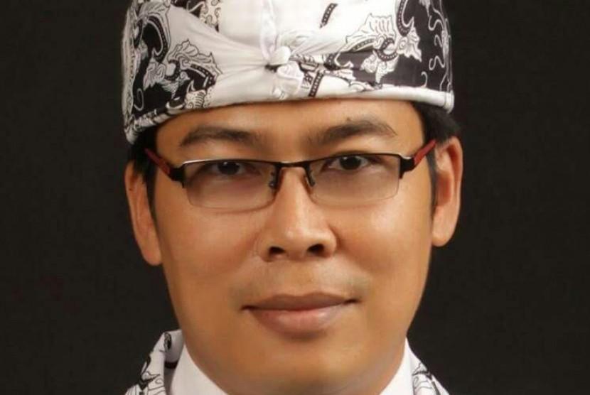 Dudung Nurullah Koswara, Ketua PGRI Kota Sukabumi