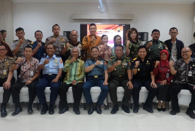Dukung poros maritim dunia, Bea Cukai gelar FGD di Ruang Rapat Mapolda Jawa Tengah, Semarang.