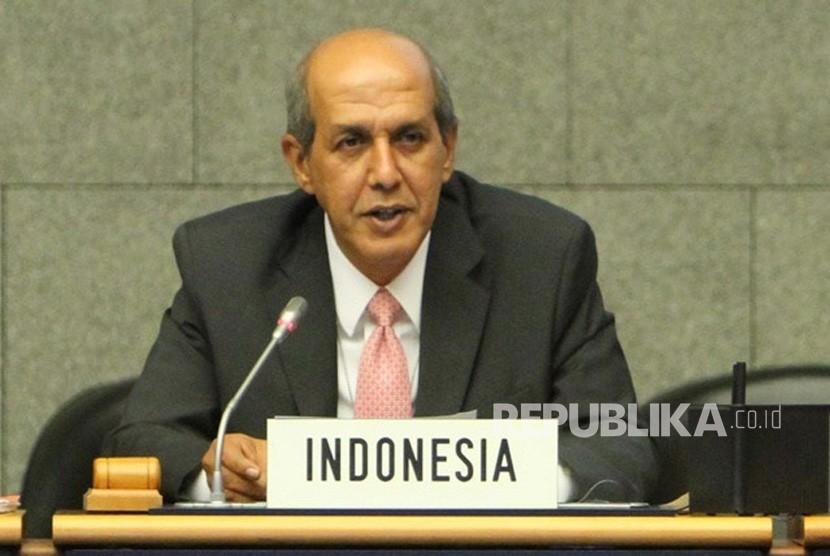 Duta Besar (Dubes) Indonesia untuk PBB Hasan Kleib dalam sidang Dewan HAM  PBB Sesi ke 40 di Jenewa, Swiss, Senin (18/3).