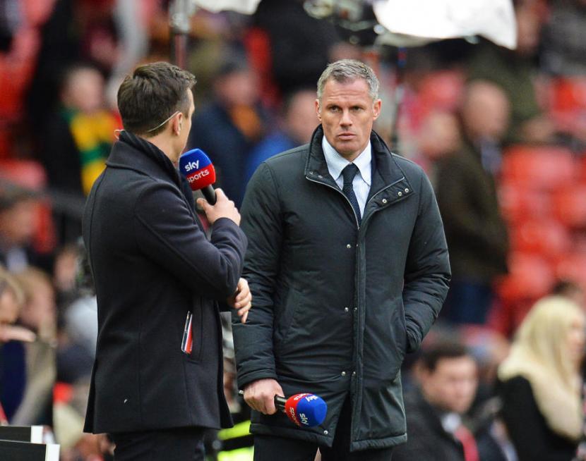 Sejumlah Bek Liverpool Cedera, Carragher Bercanda Comeback
