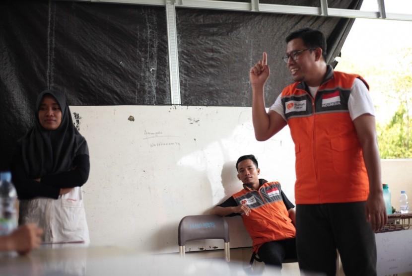 EO Rumah Zakat Nur Efendi turun meninjau lokasi sekolah yang terdampak bencana gempa Sulawesi Tengah di MTS An Nur Buuts.