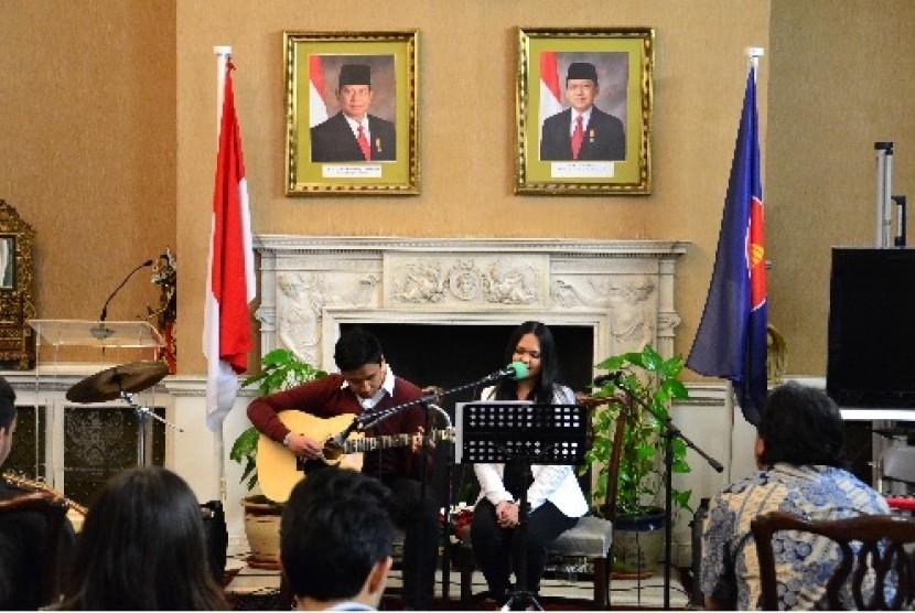 erhimpunan Pelajar Indonesia (PPI) London menggelar acara Indonesian Acoustic Night 2012