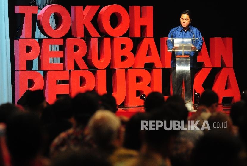 Direktur Utama Republika Erick Thohir memberikan sambutan saat acara malam penganugerahan Tokoh Perubahan 2015 di Jakarta, Senin (21/3) malam. (Republika/Agung Supriyanto)