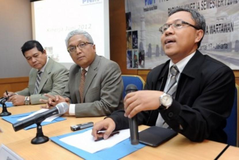 Executive Vice President PNM, Bambang Siswaji (kanan).