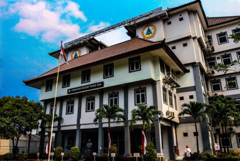 Fakultas Kedokteran Gigi Universitas Moestopo.