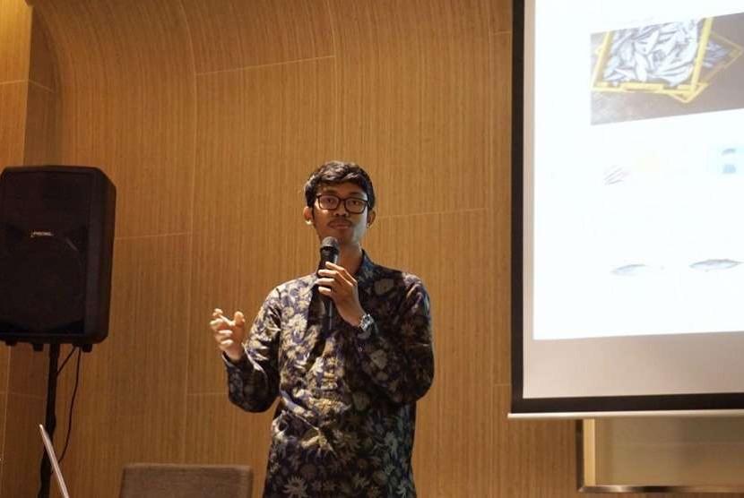 Farid Naufal Alam, pemuda yang baru beranjak usia 24 tahun, namun sudah menjadi salah satu CEO e-commerce, aruna.id.