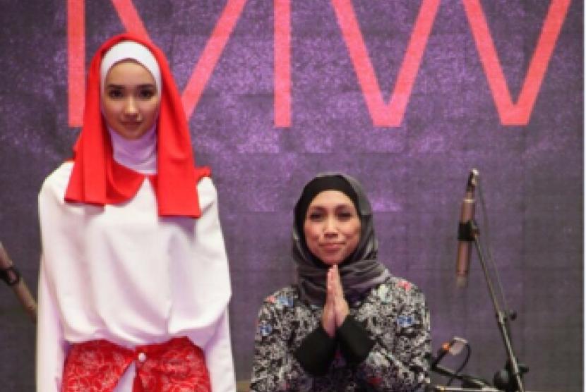 Fesyen Muslim Beraksen Batik