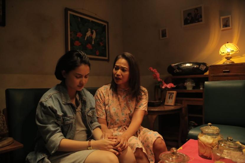 film-tersanjung-the-movie-tayang-di_210404133054-521.jpg