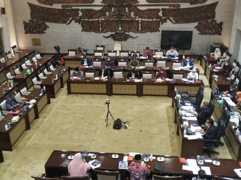 Fit and proper tes calon anggota BPK di Komisi XI DPR, Kompleks Parlemen, Senayan, Jakarta. Sidang paripurna ini salah satu keputusannya menyetujui Nyoman sebagai anggota BPK.