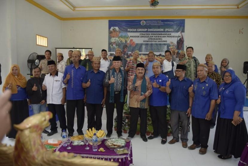 Focus Group Discussion (FGD) Strategi Pengembangan Produk Unggulan Kawasan Perdesaan (Prukades) di Aula PKBM Desa Bonda Raya, Kecamatan Suwawa Selatan, Kabupaten Bone Bolango, Provinsi Gorontalo, Kamis (8/8).