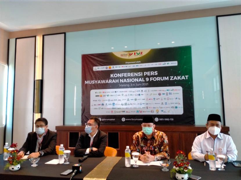 Forum Zakat melaksanakan kegiatan Konferensi Pers (Konpers) mengenai Musyawarah Nasional (Munas) FOZ Kesembilan di Kota Batu,