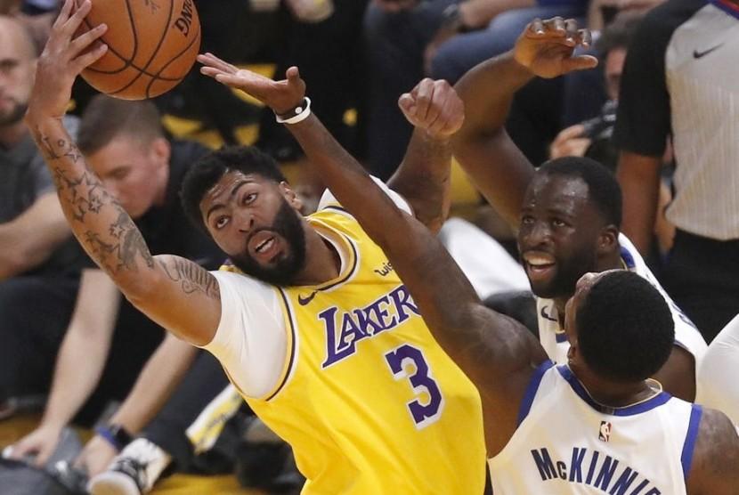 Tripoin Davis Gagal Lakers Tumbang Lawan Nets Republika Online