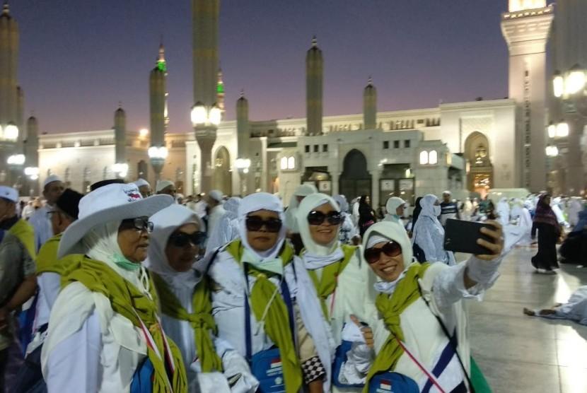 Indonesian hajj pilgrims.