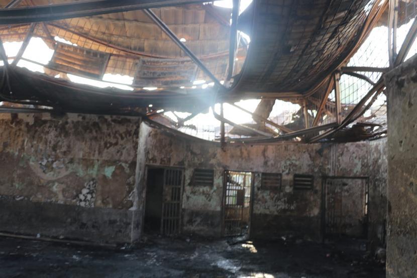 Foto suasana Blok C2 pascakebakaran di Lapas Dewasa Klas 1 Tangerang, Tangerang, Banten, Rabu (8/9/2021). Sebanyak 41 warga binaan tewas akibat kebakaran yang membakar Blok C 2 Lapas Dewasa Tangerang Klas 1 A pada pukul 01.45 WIB Rabu dini hari.