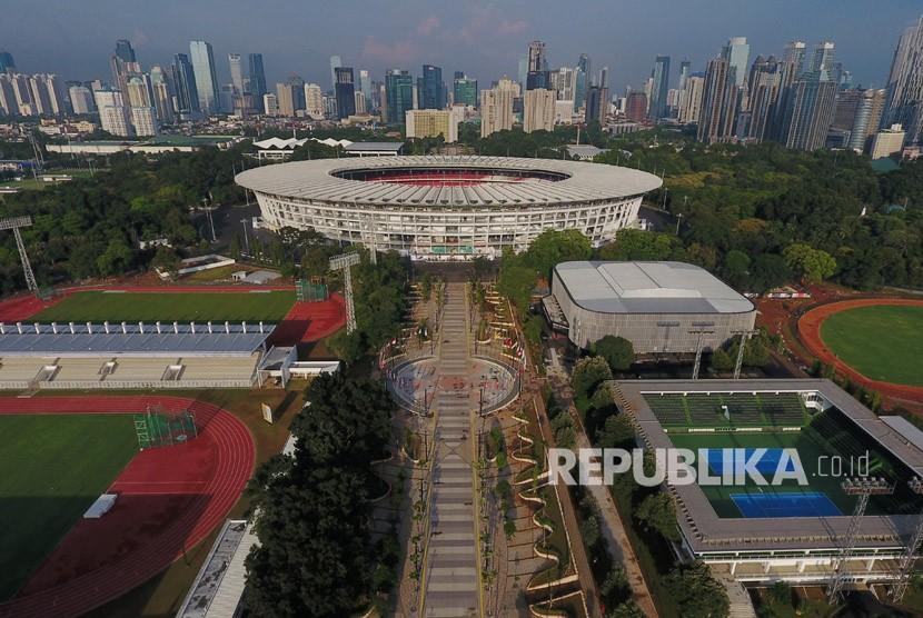 Foto udara Kompleks Stadion Utama Gelora Bung Karno, Senayan, Jakarta, Senin (2/4).