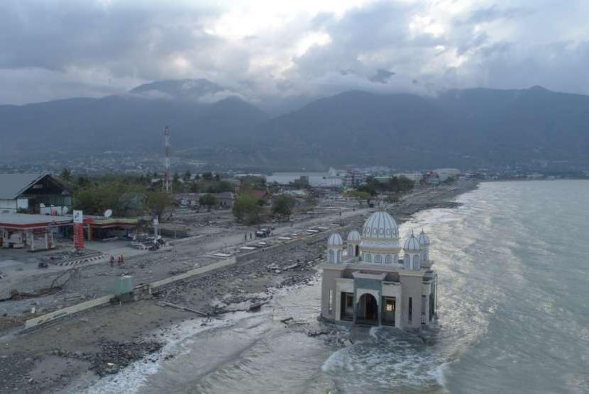 Foto udara kondisi Palu pascagempa dan tsunami, Selasa (2/10).