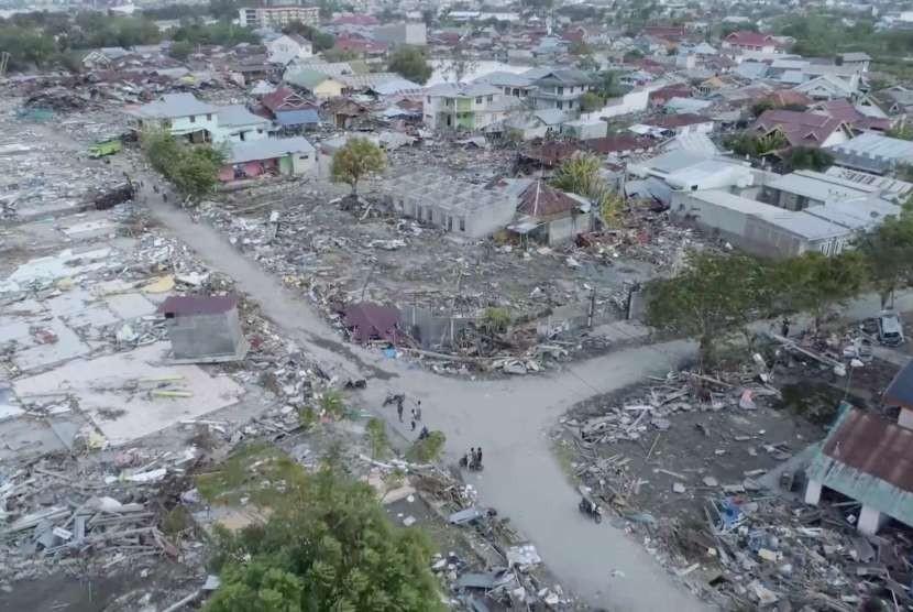 Foto udara kota Palu pascagempa dan tsunami.