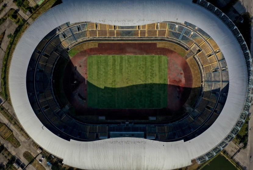 Foto udara Stadion Gelora Bandung Lautan Api (GBLA) di Gedebage, Bandung, Jawa Barat, Rabu (17/7/2019).