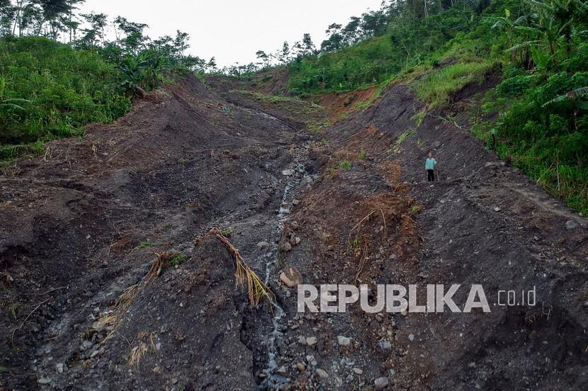 Tiga Rumah di Indramayu Rusak Berat Akibat Tanah Ambles (ilustrasi)