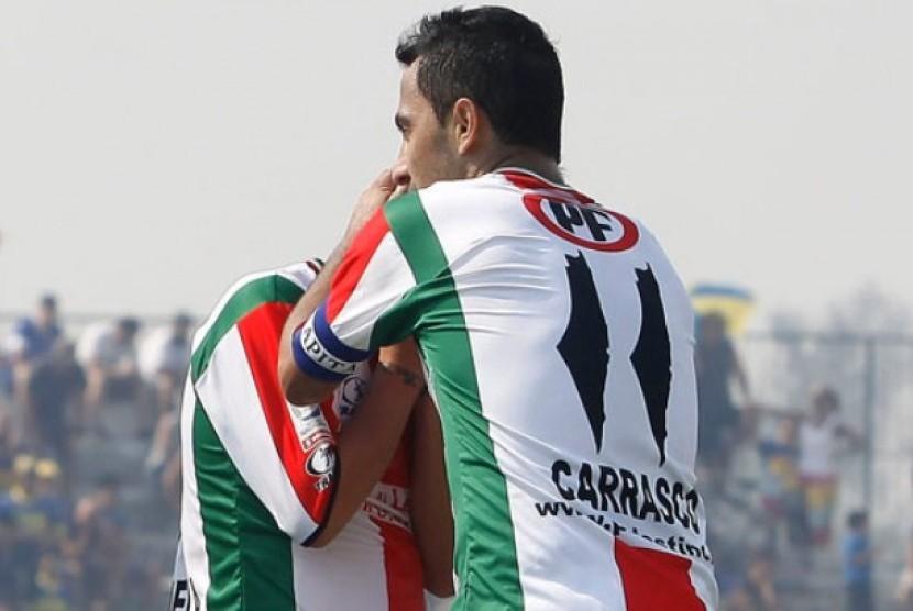 Gambar peta tradisional Palestina di jersey resmi klub Cile, Deportivo Palestino.