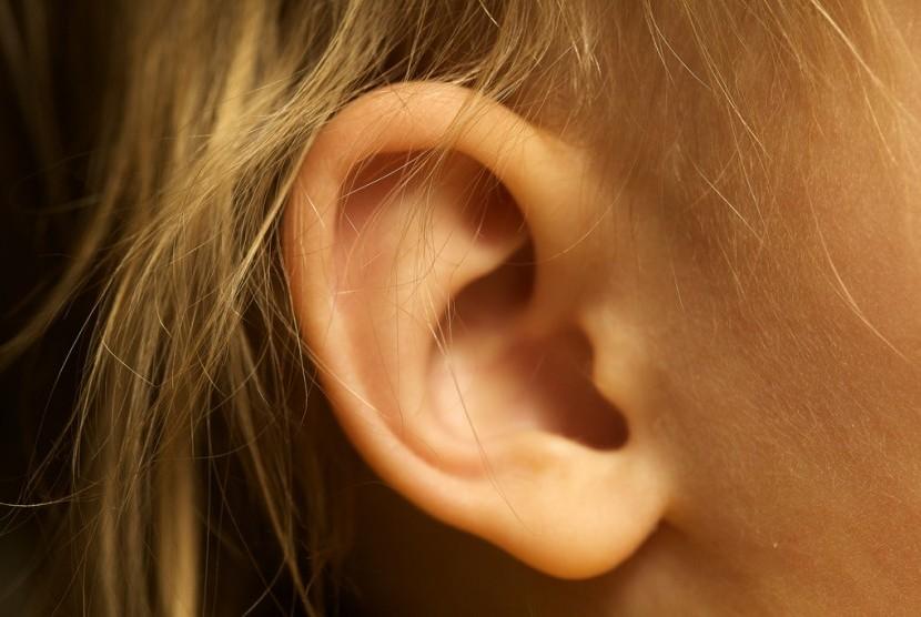 Gangguan pendengaran.