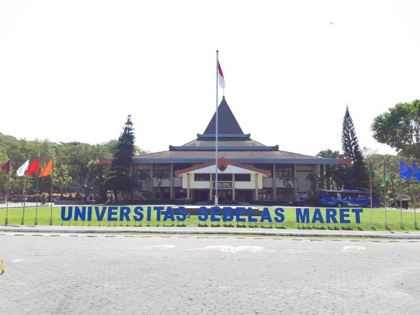 Gedung dr Prakosa Kantor Pusat Universitas Sebelas Maret (UNS) Solo.