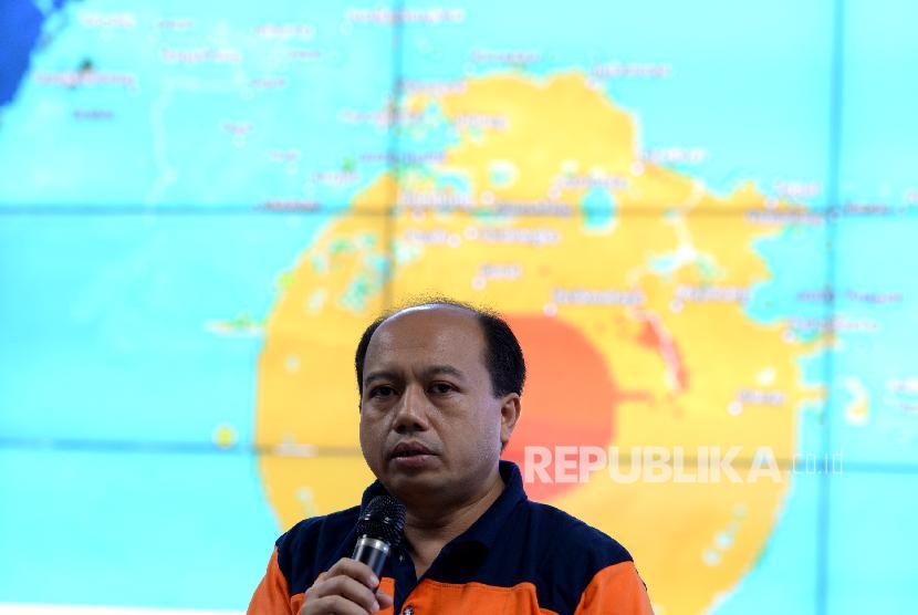 Gempa Tasikmalaya. Kepala Pusat Data Informasi dan Humas BNPB, Sutopo Purwo Nugroho memberikan paparan terkait penanganan bencana gempa Tasikmalaya di Graha BNPB, Jakarta, Sabtu (16/12).