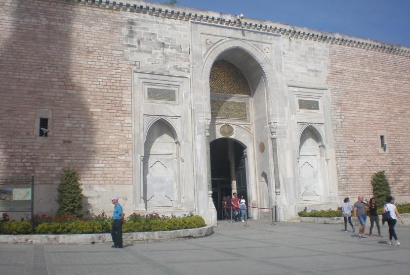 Gerbang Topkapi.