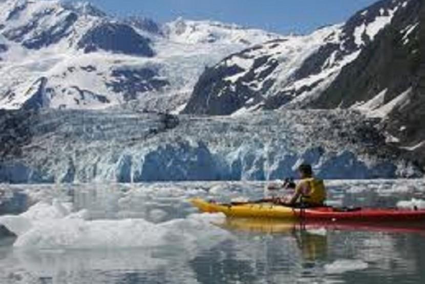 Gletser mencair (ilustrasi).